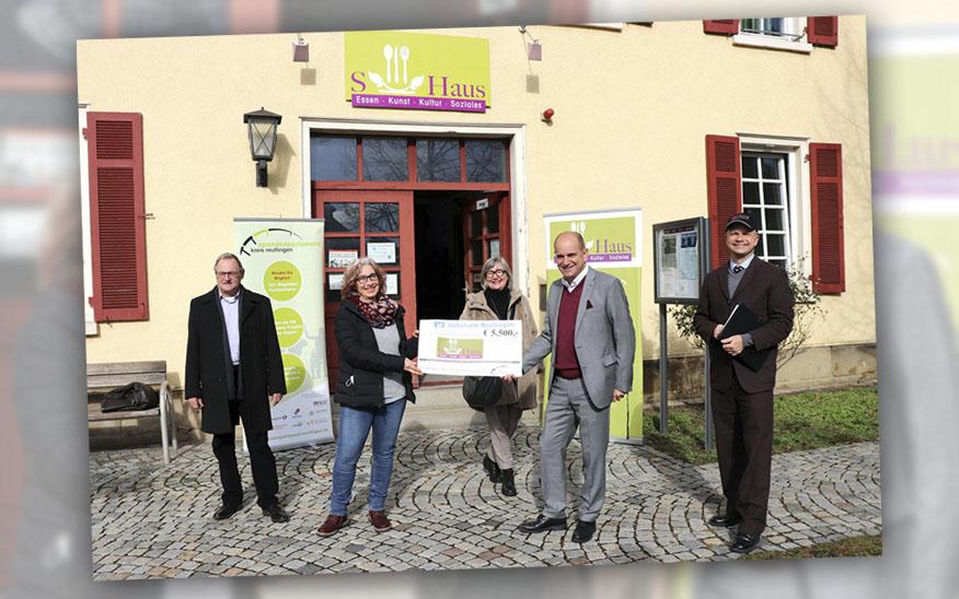 5.500 Euro Spende für gemeinnützige Arbeit des S-Haus, Reutlingen